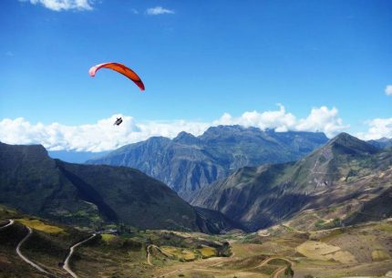 paragliding in sacred valley